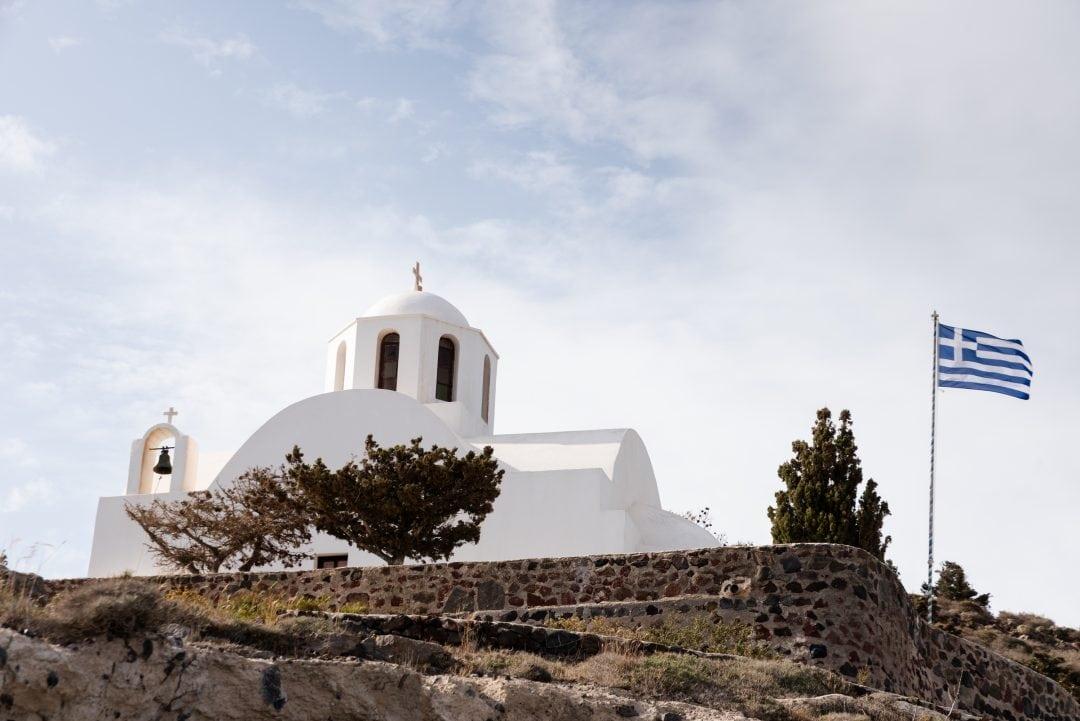 Chapelle sur le chemin de Fira à Oia