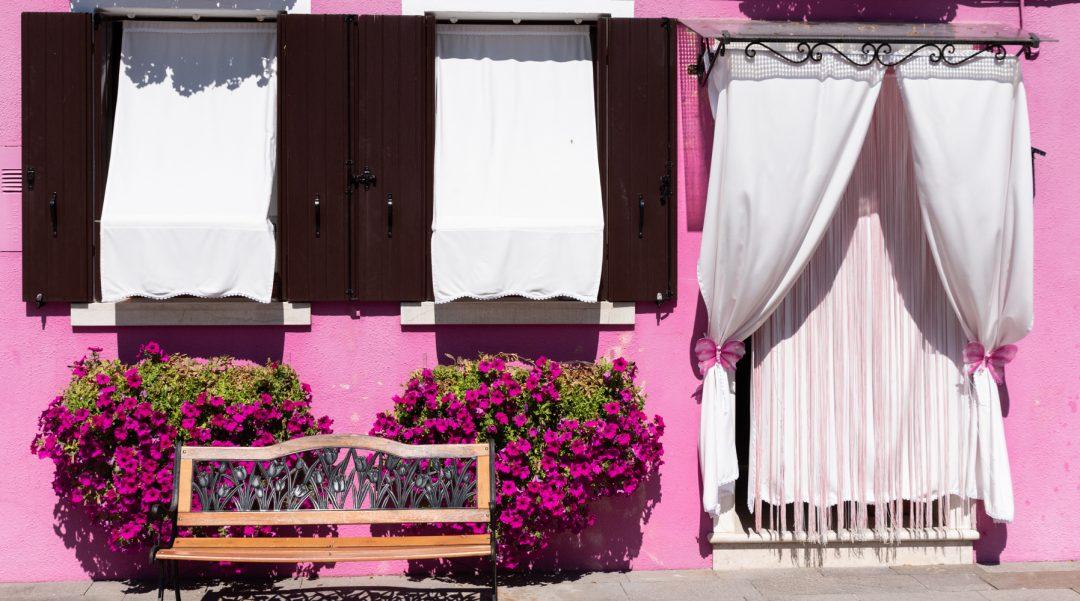 Façade colorée rose Burano
